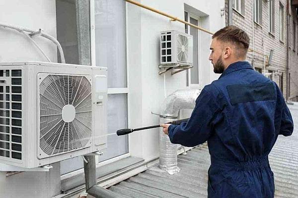 تنظيف مكيفات الهواء